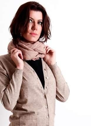 Echarpe caqui texturizado com toque de algodão