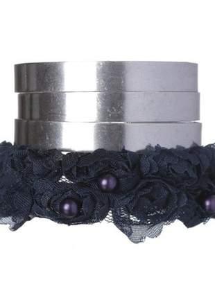 Bracelete rendado de flores