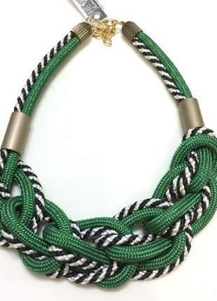 Colar de corda alice verde e listrado