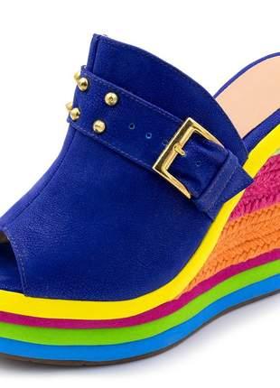 Sandália tamanco anabela salto alto com camurça azul bic e salto em sisal colorido