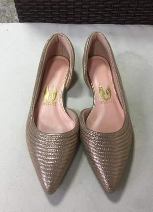 Sapatilha em couro glamour bico fino metalizada glitter.