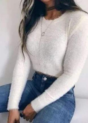 Cropped de pelinhos pelucia manga longa