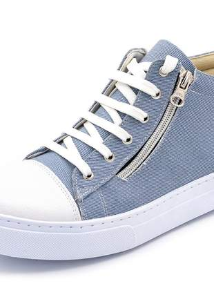 Tênis  jeans claro detalhe ziper do lado