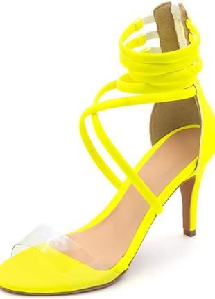 Sandália salto alto meia cana tira transparente amarelo neon
