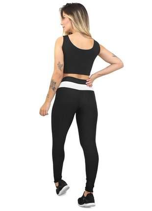 Conjunto fitness legging cropped preto e branco academia