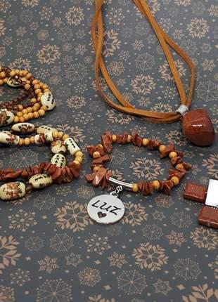 Conjunto de bijuterias com cristais de pedra do sol