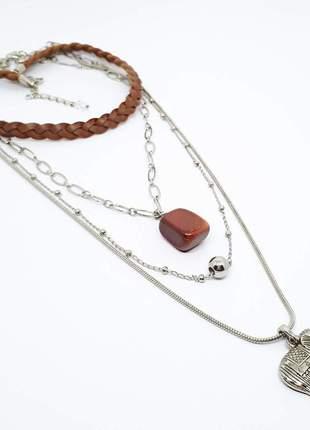 Mix de colares estilo boho chic com pingente de pedra do sol