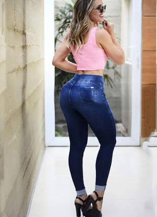 Calça jeans feminina jogger com barra dobrada