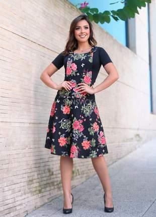 Vestido midi jardineira botões estampado flores