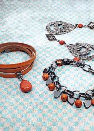 Conjunto pulseiras e brinco de coral esponja e hematita naturais