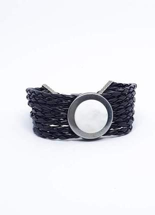 Pulseira larga de couro preto com pedra natural de quartzo branco
