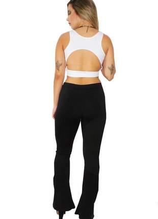 Conjunto feminino calça flare preta e cropped costa nua