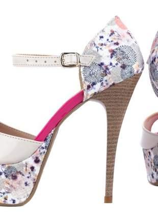 Sandália meia pata floral