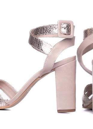 Sandália feminina  metalizado ouro