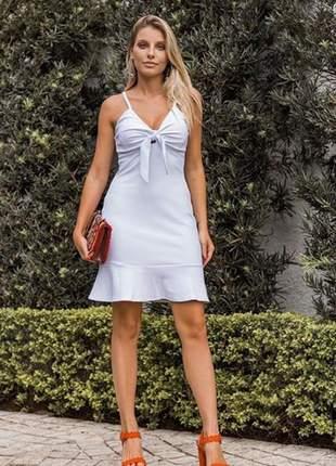 Vestido branco laço frontal shape ajustado.
