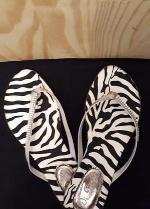 Rasteira estampa em zebra
