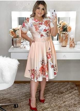 Vestido godê moda evangélica estampado floral, acompanha cinto da mesma cor.