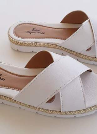 Sandália chinelo rasteirinha branca cruzada corda flatform