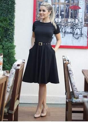 Vestido midi pretinho básico