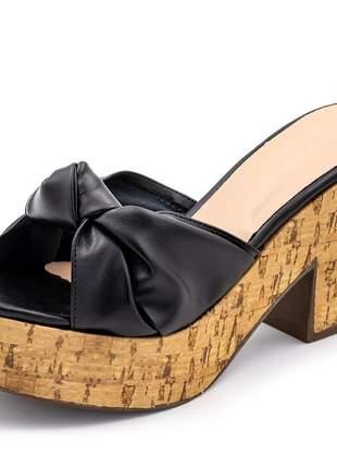 Sandália salto alto em napa preta com detalhes no solado