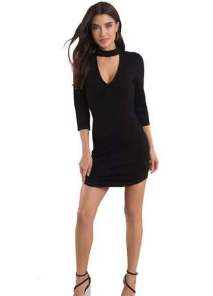 Vestido feminino curto decotado com gola luxo tendência