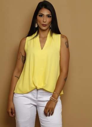 Blusa decote v barra torcida em crepe amarela