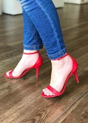 Sandália salto alto fino vermelha