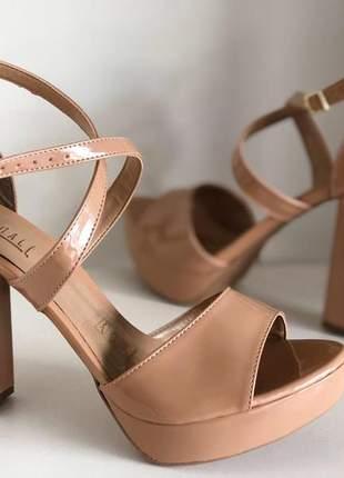 Sandália meia pata nude