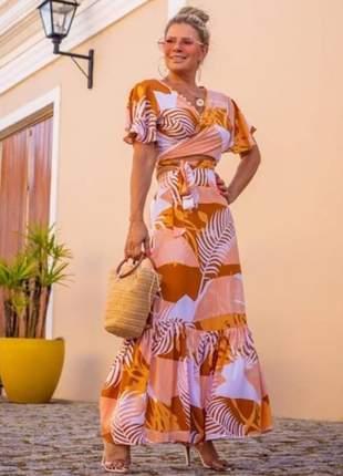 Conjunto de blusa cropped transpassada com saia longa