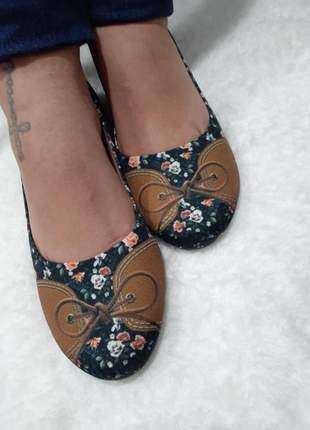 Sapatilha floral bico redondo
