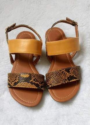 Sandália rasteirinha feminina verniz dourado