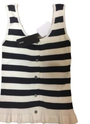 Blusa regata tricot listrada p&b com barra babado.