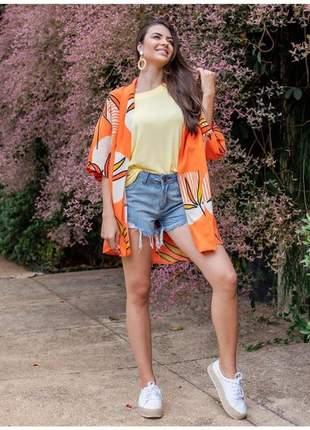 Blusão kimono em viscolinho estampa tropical.
