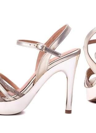 Sandália meia pata (ref: 106.001a)