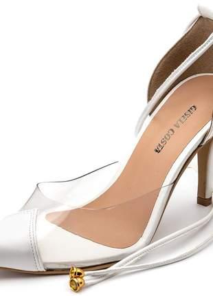 Scarpin aberto branco com vinil transparente amarrar na perna