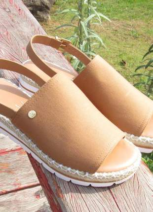 Sandalia vizzano flatform caramelo ultra confortável