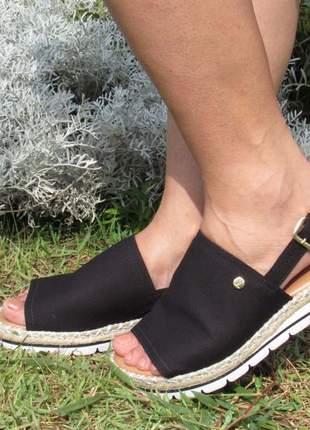 Sandalia vizzano flatform preta ultra confortável