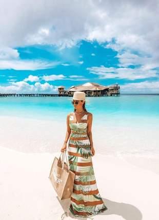 Vestido longo deck maldivas, com recorstes e argola, estampa folhas em tecido poliamida