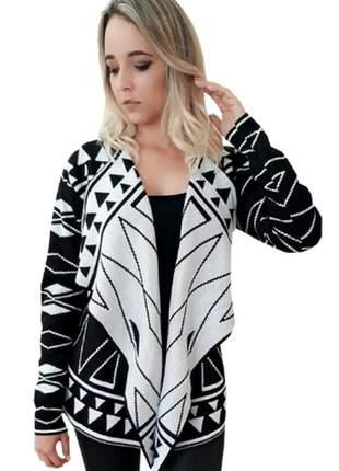 Kimono etnico preto e branco tricot trico