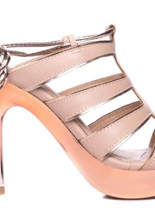 Sandália feminina meia pata