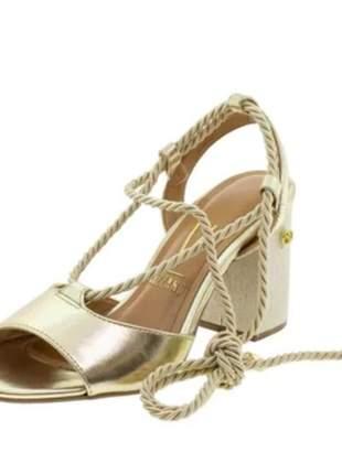 Sandália vizzano dourada amarração