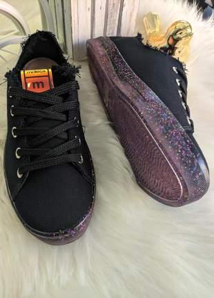 Tênis moleca solado glitter preto