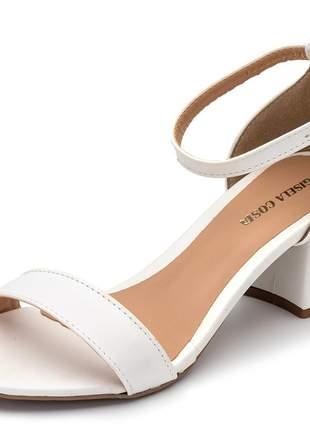 Sandalia feminina tira branca salto grosso fivela