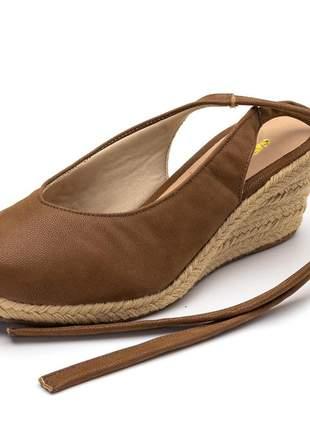 Sandália anabela fechada salto baixo chocolate amarrar na perna