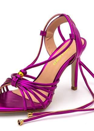 Sandalia social salto fino rosa pink holográfico amarrar na perna