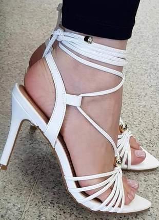 Sandálias femininas tendência verão 2020