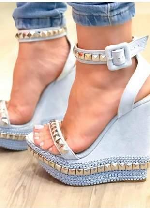 Sandálias femininas anabela spikes com divela lateral