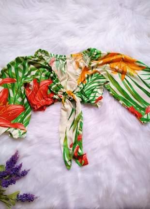 Blusa feminina cropped floral manga flare com amarração