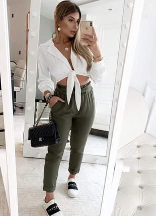Cropped estilo camisa com nó em satin