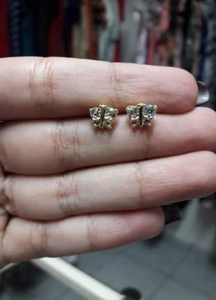 Brinco pequeno borboleta com pedras zircônia folheado a ouro